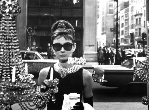 Audrey Hepburn Breakfast at Tiffanys window