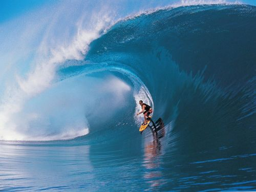 surfing tahiti
