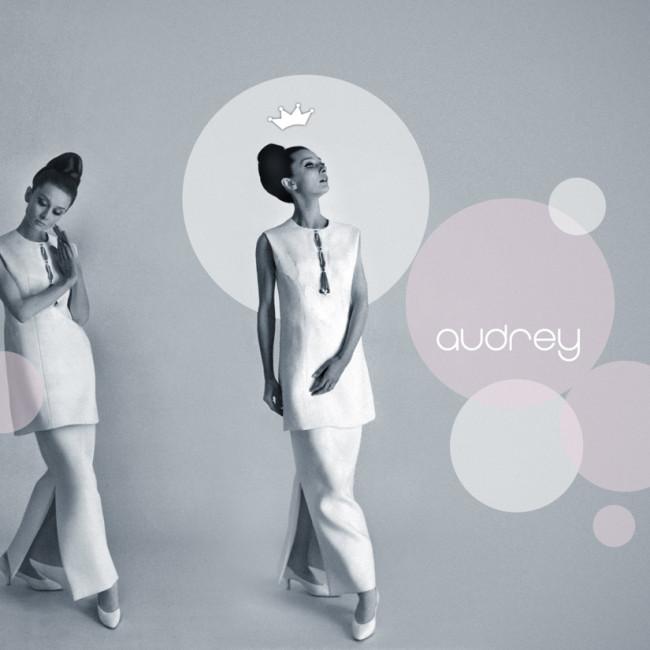 Audrey-Hepburn-grey circles