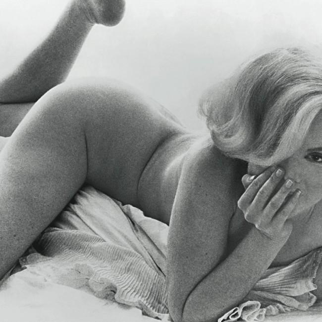 marilyn in bed